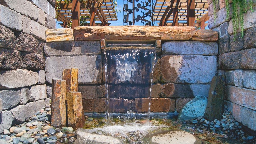 Courtyard-Gardens-Fountain-LFPOregon